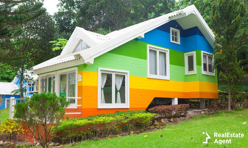 Is The Exterior House Color Affecting The Sale Of Your Home?