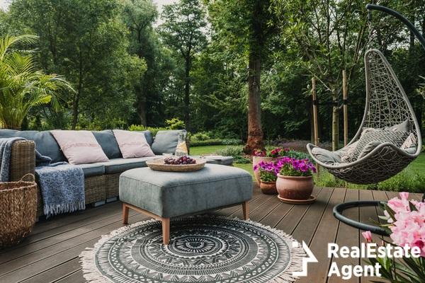 garden pation decorated with sandinavian sofa