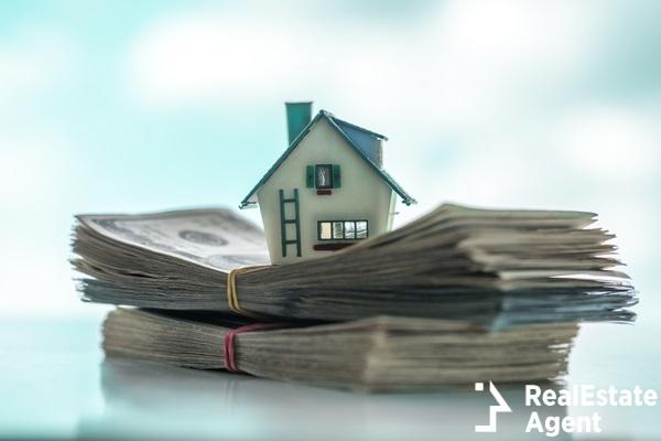 house model on cash money