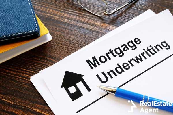 mortgage underwriting concept