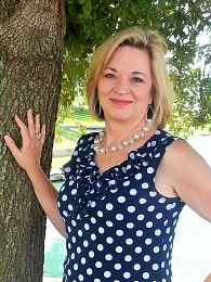 Gina Teague real estate agent
