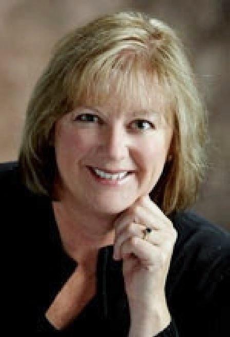Julie  Zappone, Broker real estate agent