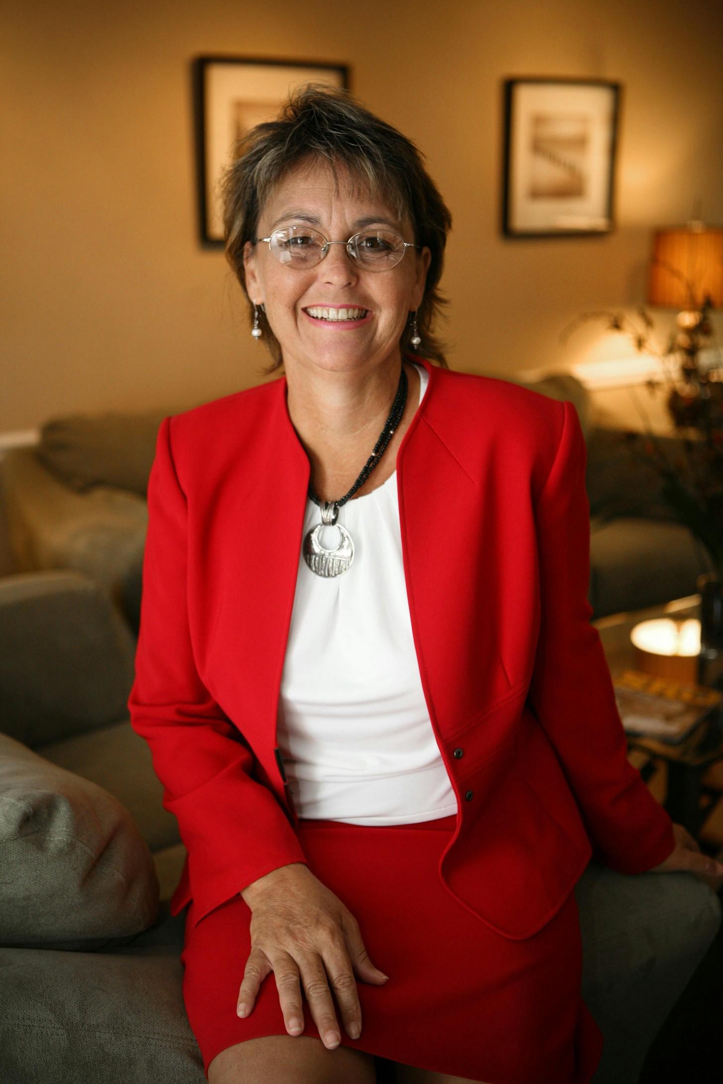 Xena Vallone real estate agent