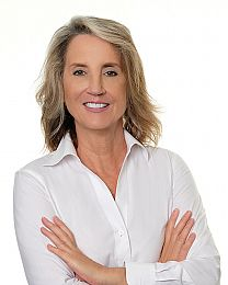 JoAnn Martindale real estate agent