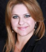 Yadira Bello real estate agent