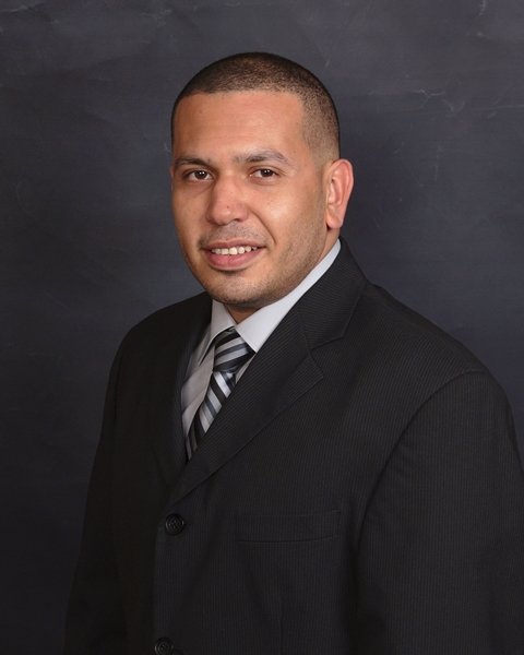 Robert Cruz real estate agent