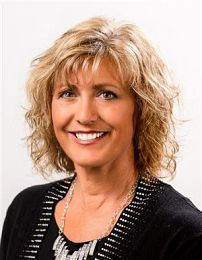 Kim Adams real estate agent