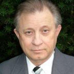 Fredrick White real estate agent