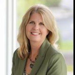 Debi Hauer real estate agent