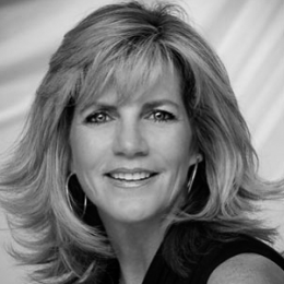 Janae Donoghue Moore real estate agent