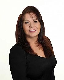 Maria Gionta real estate agent