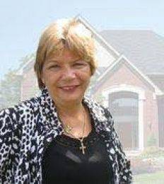 Kathy Schmidt  real estate agent