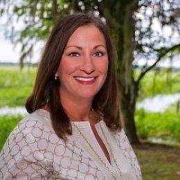 Deanna Coffey real estate agent