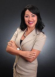 Vivian Aponte real estate agent