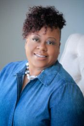 Shavonya Munford real estate agent