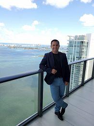 Danilo Tavares real estate agent