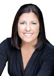 Lorraine Ryall Agent real estate agent