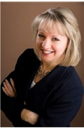 Jen Hohenberger real estate agent