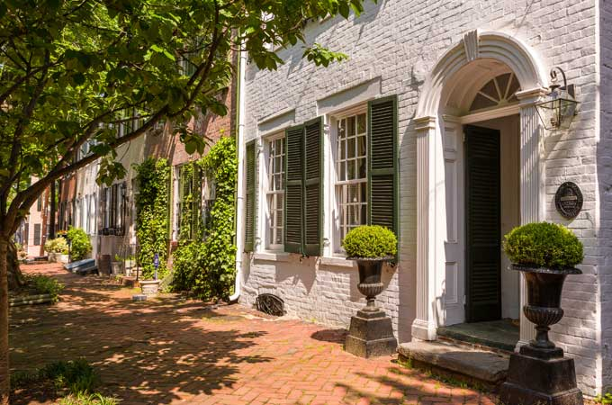 Historic houses on Queen Street in Old Town - Alexandria VA