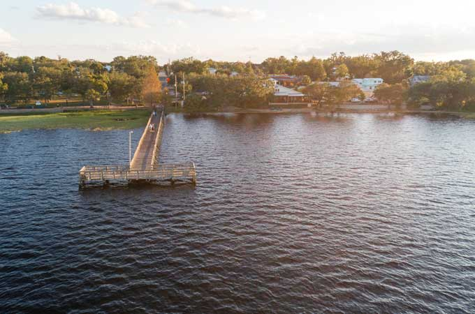 image of public dock on Lake Minneolain Clermont Florida