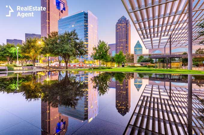 Dallas Texas downtown plaza image