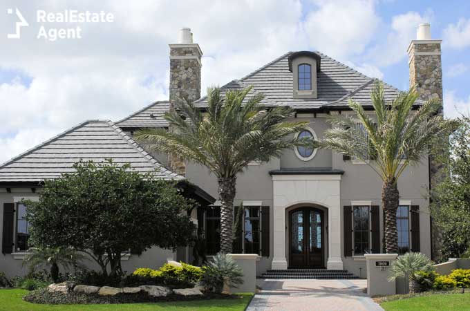 executive home in country club