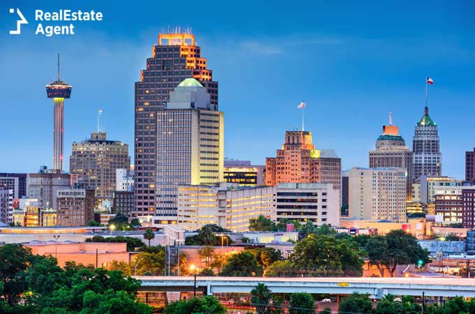 image of downtown area of San Antonio Texas