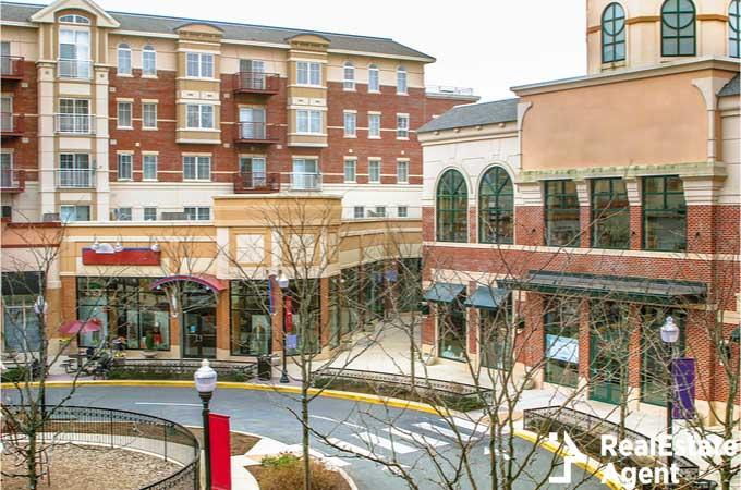Scenery of Shopping street in Fairfax VA
