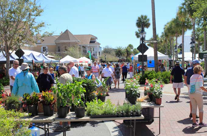 outdoor street market in the villages FL