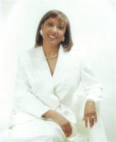 Linda McDonald real estate agent