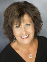Linda   Dillow real estate agent