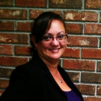 Larissa Lima real estate agent