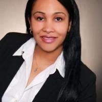 Eva Lewis real estate agent