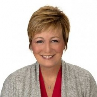 Colleen Waldoch real estate agent