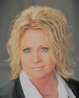 Deb Schiller real estate agent
