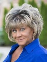 Sherri Roe real estate agent