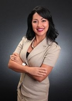 Vivian Aponte real estate agent