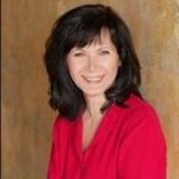 Colette Freiwald real estate agent