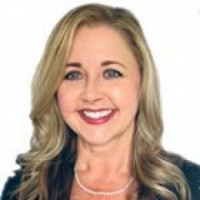 Lisa Mills Smith real estate agent