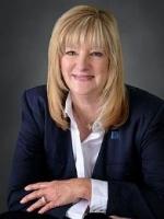 Lisa Lyon real estate agent