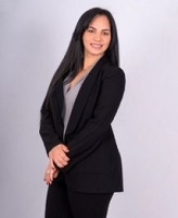 Idania Lujan real estate agent