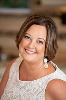 Deanna Hansinger real estate agent