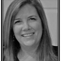 Laura Danforth real estate agent