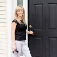 Kristina Listapad real estate agent