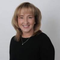 Rhonda Cremin real estate agent