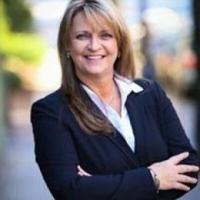 Kim  Weaver real estate agent